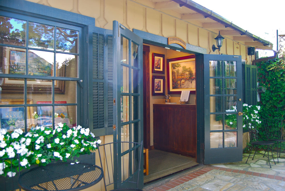 Join us at the Thomas Kinkade Studio in the Garden Gallery